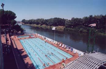 Nuove iscrizioni alla piscina di Lungarno Ferrucci dal 16 settembre