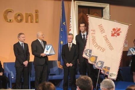 Collare d'oro del Coni alla Rari Nantes Florentia Il premio è stato consegnato dal presidente del consiglio Mario Monti